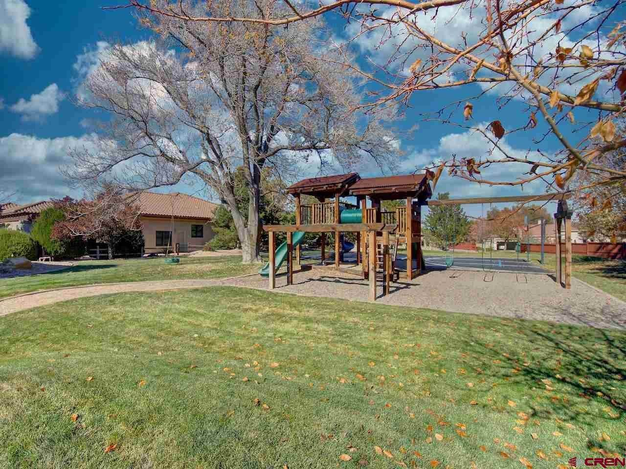 7. Single Family Homes for Sale at 414 High Pointe Drive Grand Junction, Colorado 81507 United States