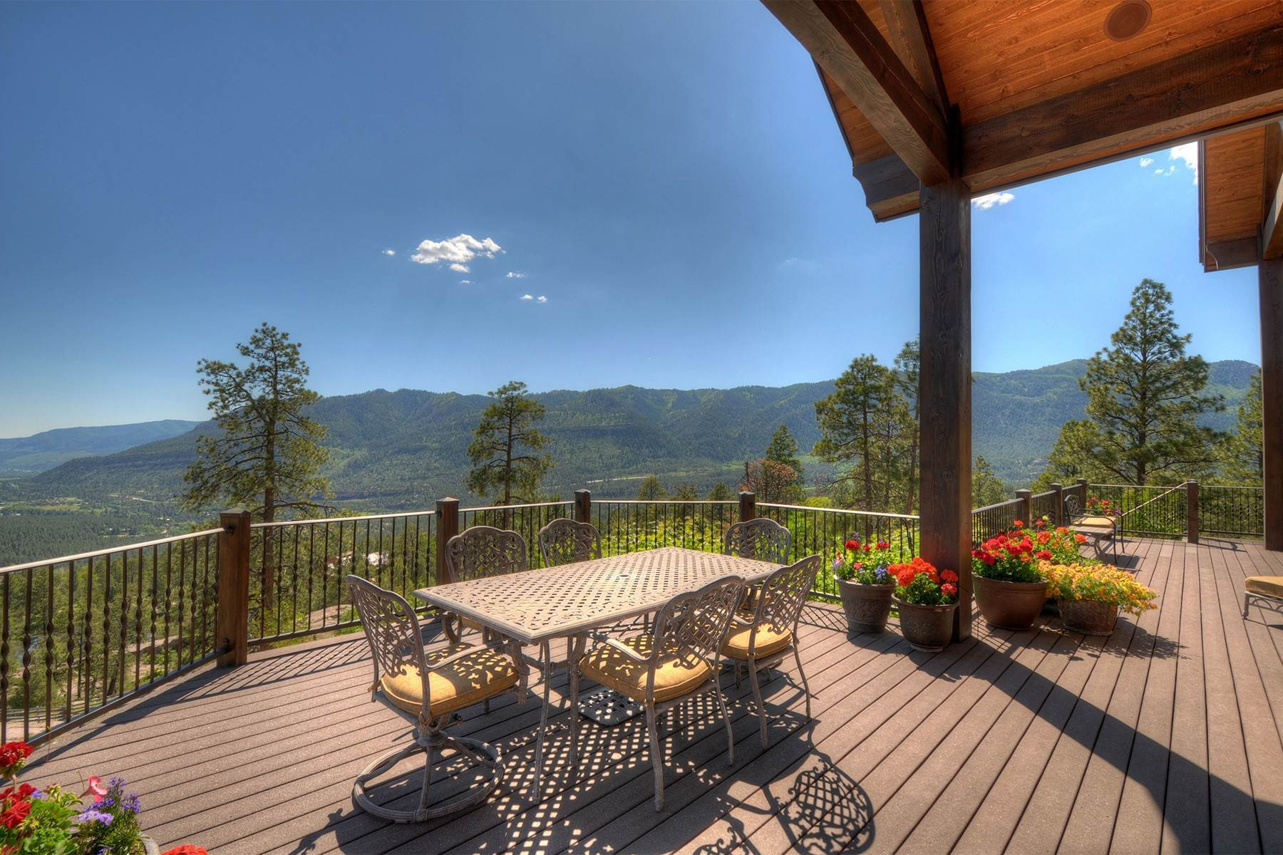 30. Single Family Homes for Sale at Granite Fall Lodge 1501 Celadon Drive East Durango, Colorado 81301 United States