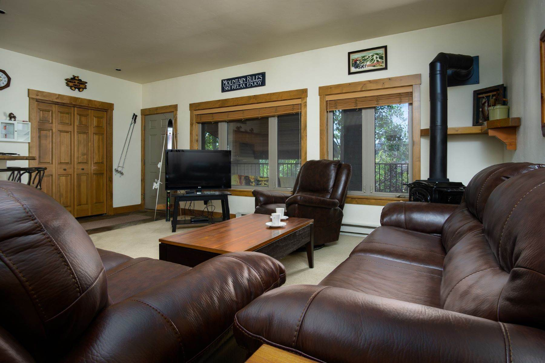 Condominiums for Sale at Conveniently Located Condo 1915 Alpine Plaza Unit #R4 Steamboat Springs, Colorado 80487 United States