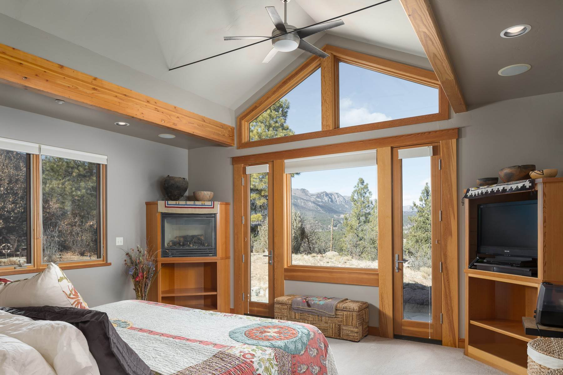 12. Single Family Homes for Sale at 957 Elkhorn Mountain Road Durango, Colorado 81301 United States