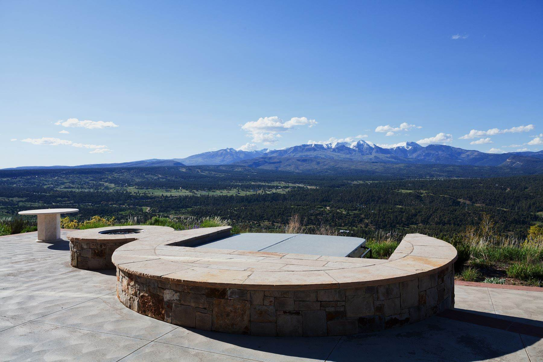 44. Single Family Homes for Sale at Mazeltop Ranch 1933 Deer Valley Road Hesperus, Colorado 81326 United States
