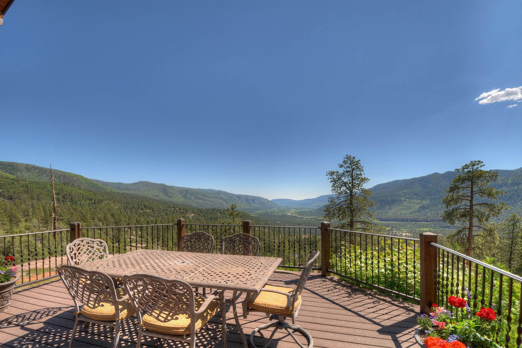32. Single Family Homes for Sale at Granite Fall Lodge 1501 Celadon Drive East Durango, Colorado 81301 United States
