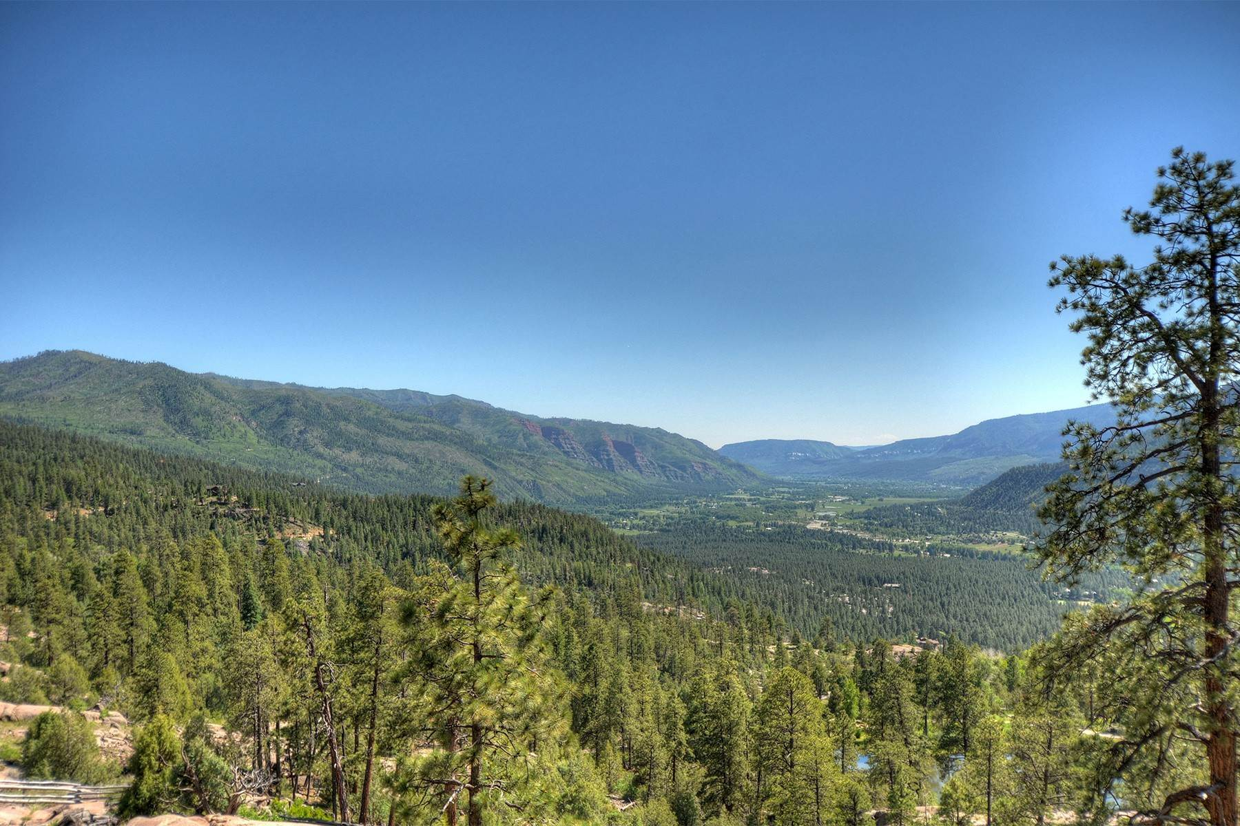 31. Single Family Homes for Sale at Granite Fall Lodge 1501 Celadon Drive East Durango, Colorado 81301 United States