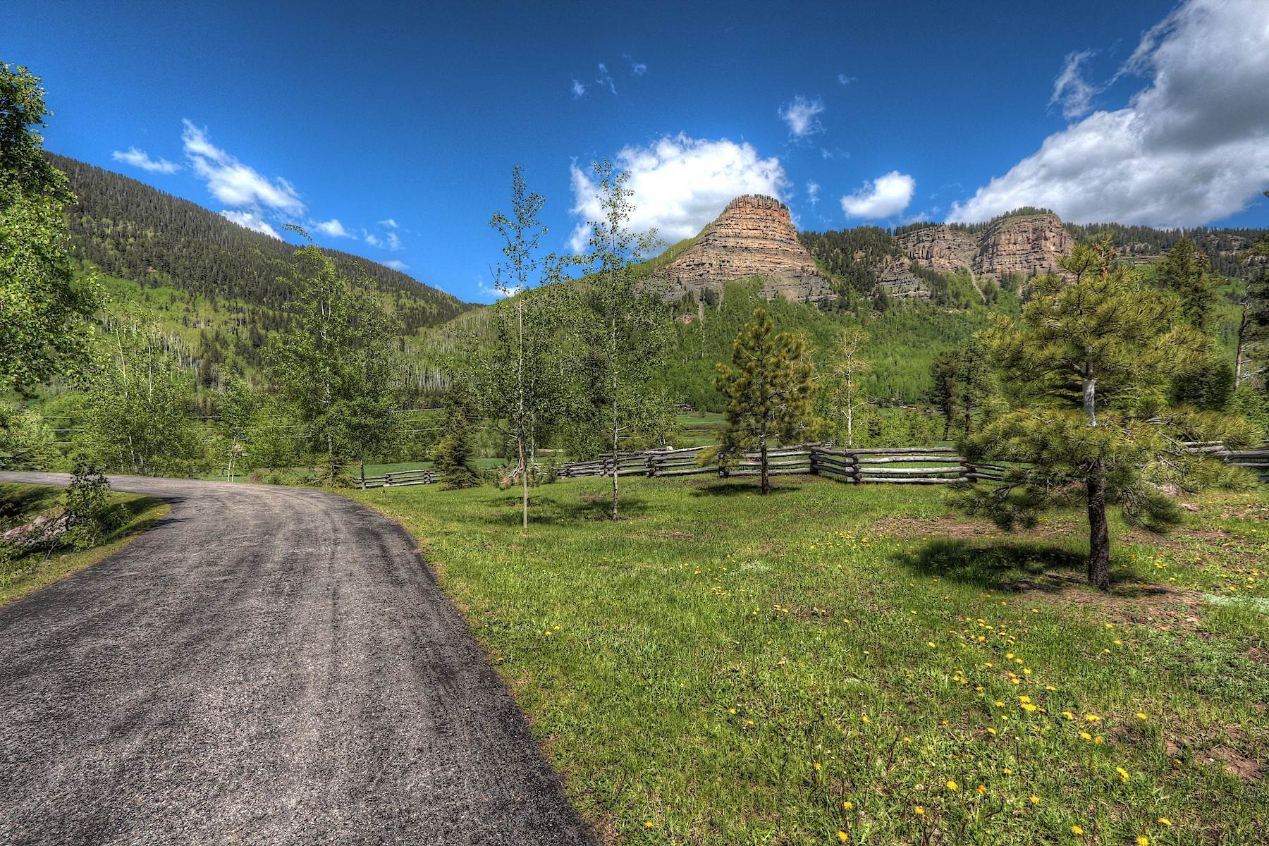 35. Single Family Homes for Sale at 246 Pinnacle View Drive Durango, Colorado 81301 United States