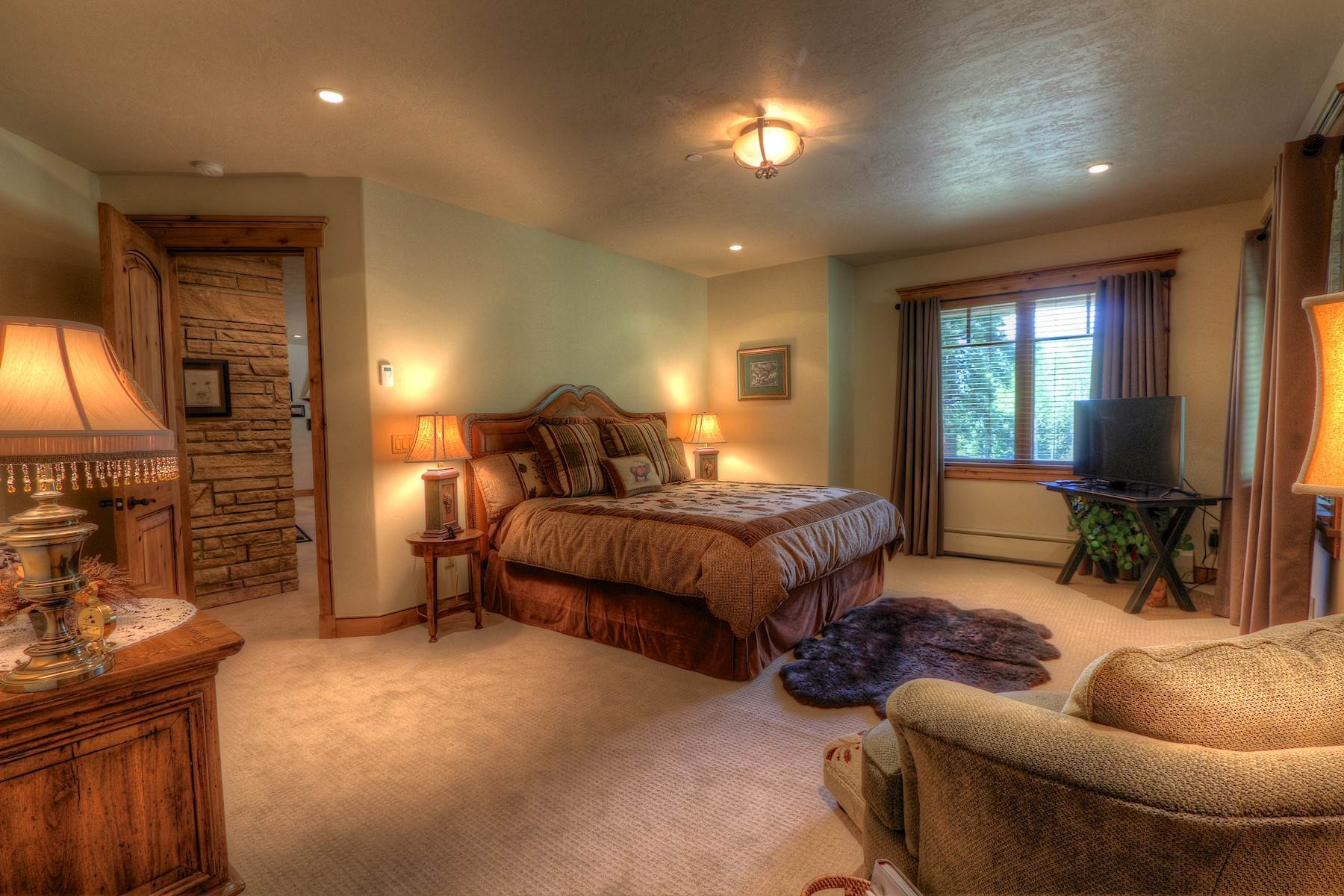 26. Single Family Homes for Sale at 246 Pinnacle View Drive Durango, Colorado 81301 United States