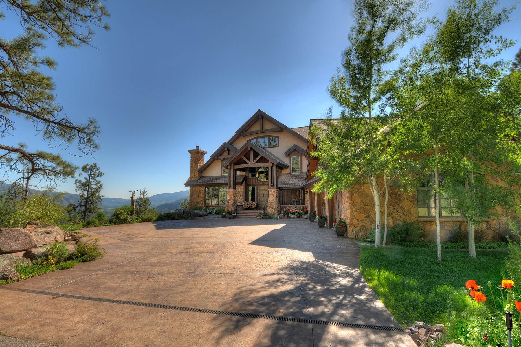38. Single Family Homes for Sale at Granite Fall Lodge 1501 Celadon Drive East Durango, Colorado 81301 United States