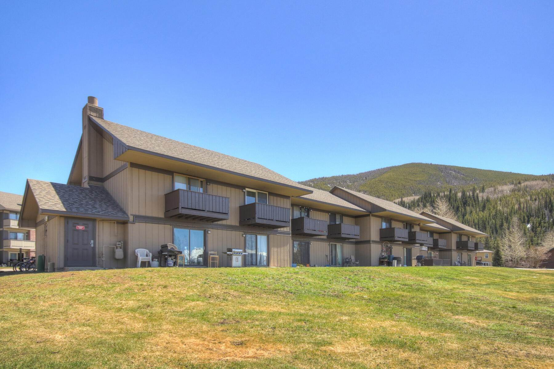 Condominiums for Sale at Dillon Valley East 1133 Straight Creek Drive #J-105 Dillon, Colorado 80435 United States