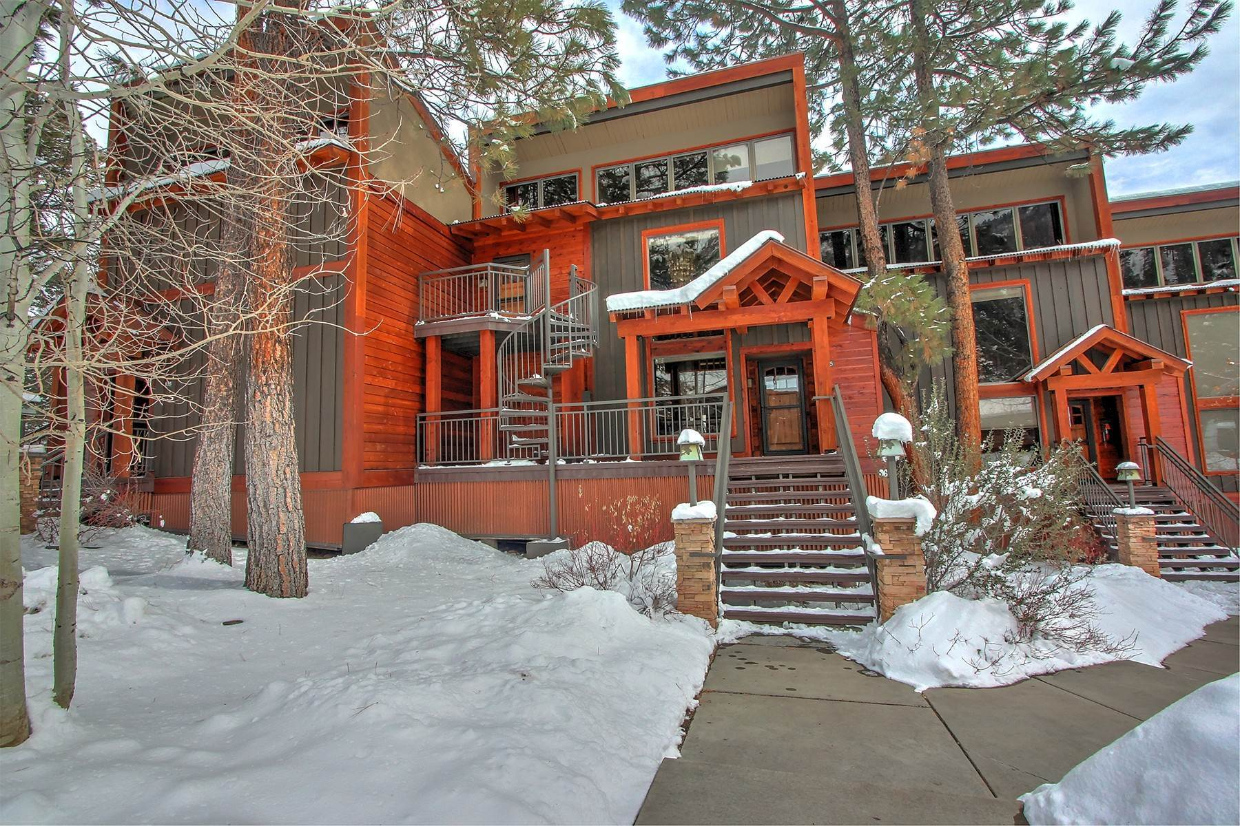 Condominiums for Sale at Tamarron 834/835 73 S Tamarron Drive #834/835 Durango, Colorado 81301 United States