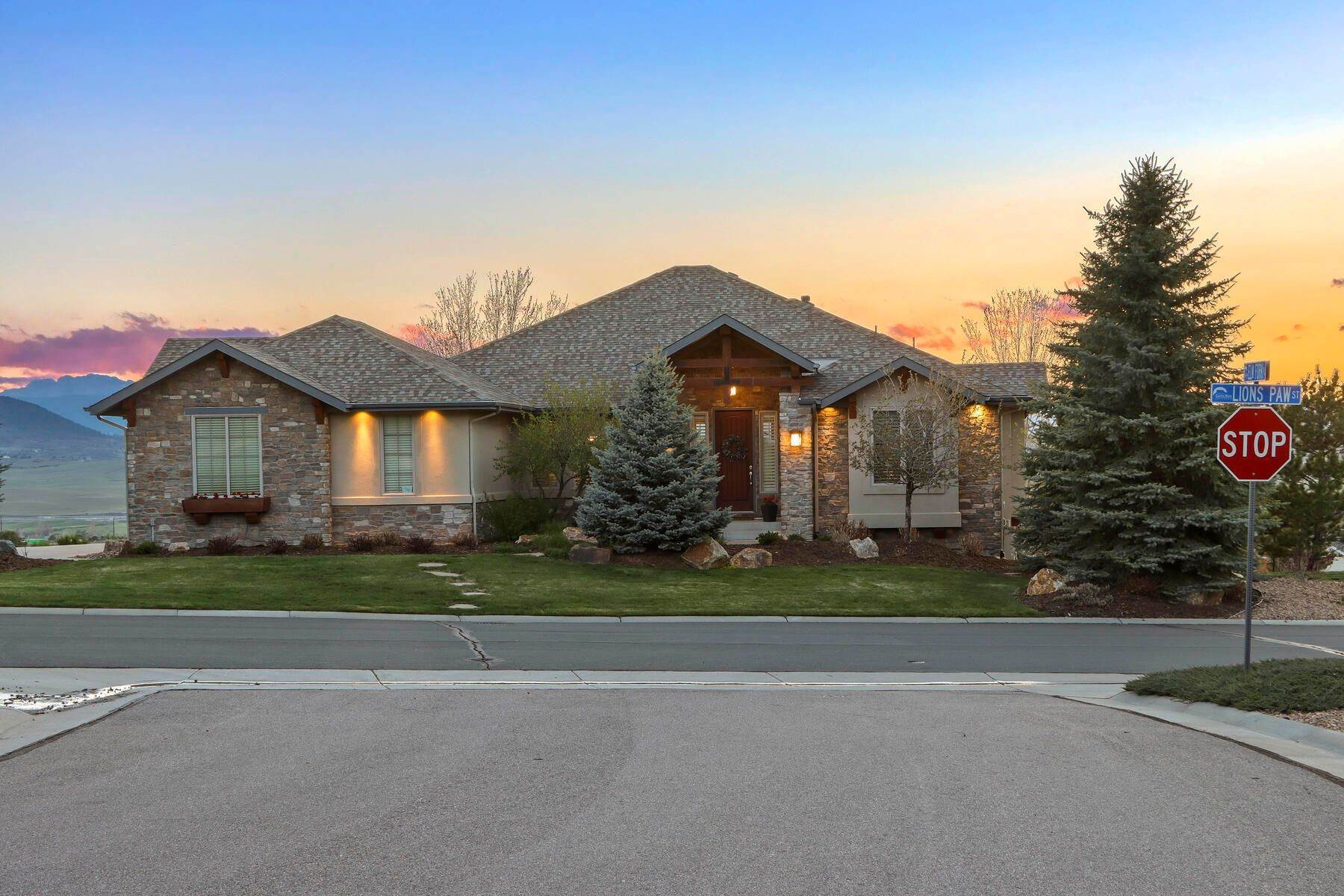 Single Family Homes for Sale at 180 Degrees of Breathtaking Pikes Peak and Front Range Mountain Views! 4383 Lions Paw Street Castle Rock, Colorado 80104 United States